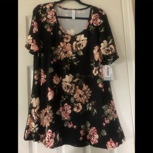 Lularoe Perfect Tee 2X